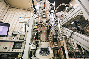Spin-polarized ultrafast transmission electron microscope developed by our group
